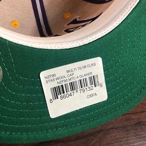 f99d8e89f93a NWT Adidas Los Angeles Lakers Hat NWT